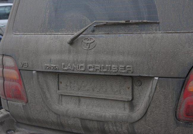 Машина с грязными номерами