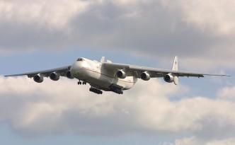 Фото самолета в небе