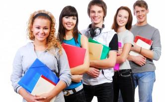 Фото студентов на белом фоне