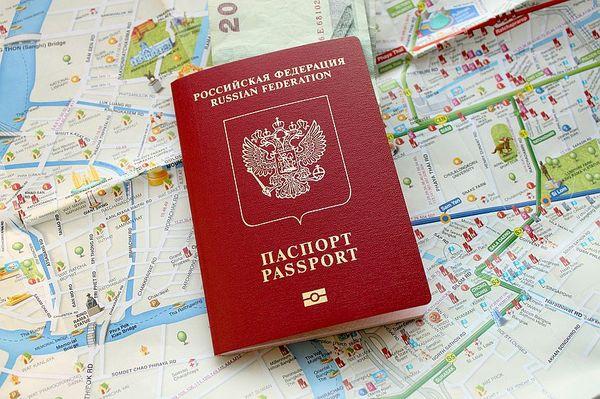 Заграничный паспорт является самым важным документом в списке
