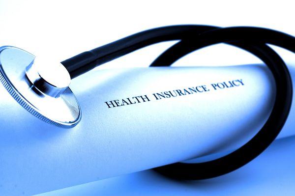 Для французской визы также необходимо оформить страховку