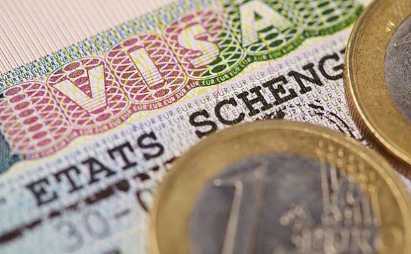 Спонсорская поездка оформляется если зарплата человека составляет меньше 25 тыс. руб